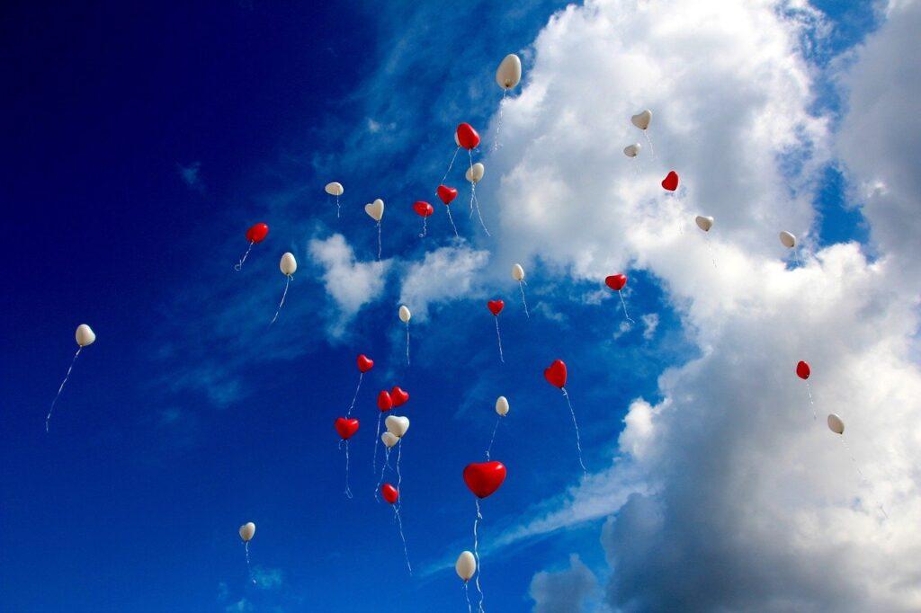 balloons, heart, sky-1046658.jpg