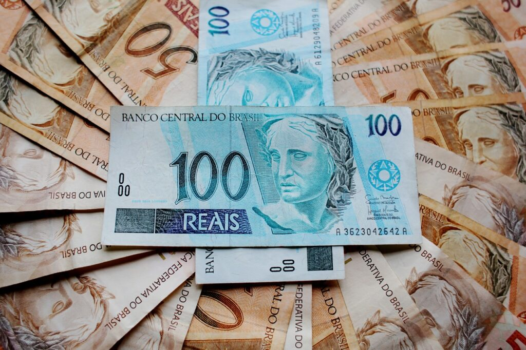 ballots, money, real-1195005.jpg