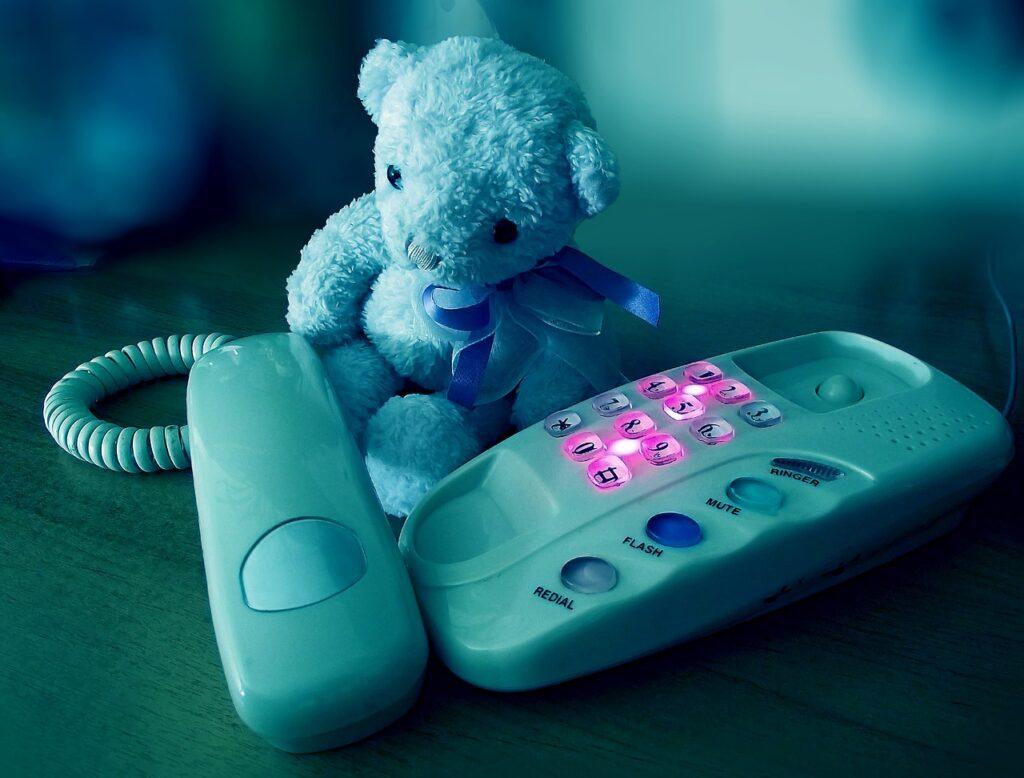 sadness, phone, sad bear-1714779.jpg